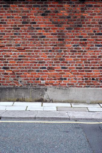 Brick Wall「Urban background UK - Red brick wall with sidewalk」:スマホ壁紙(19)