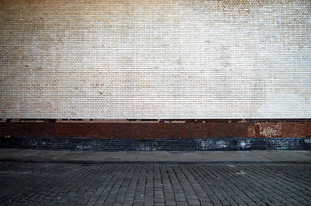 Urban background UK - White brick wall with sidewalk:スマホ壁紙(壁紙.com)