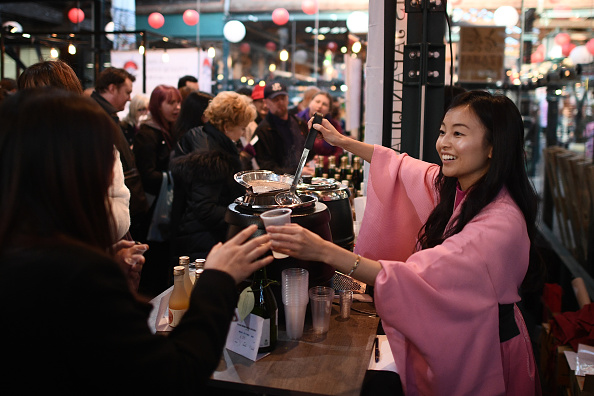 Sake「Hyper Japan Christmas Market Opens to The Public」:写真・画像(6)[壁紙.com]