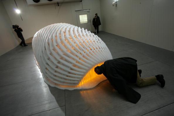 Ice Sculpture「Olafur Eliasson Opens Exhibition In Munich」:写真・画像(3)[壁紙.com]
