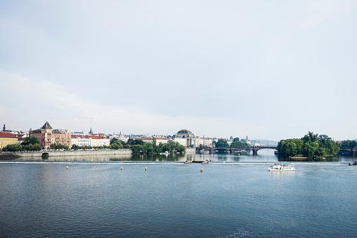 Charles Bridge「Cityscape and waterfront, Prague, Czech Republic」:スマホ壁紙(3)