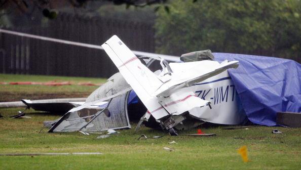 Homemade「Home-Built Aircraft Crashes Into Whenuapai Air Base」:写真・画像(17)[壁紙.com]