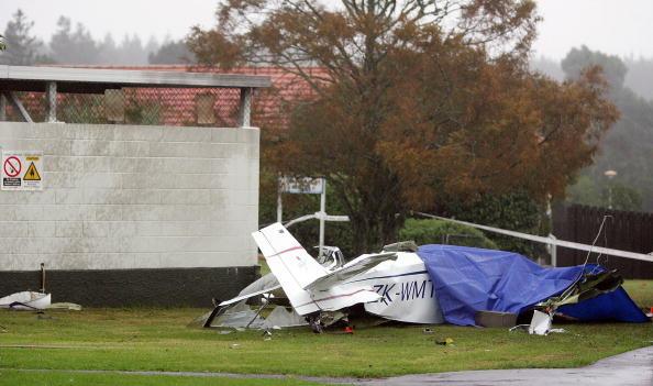 Homemade「Home-Built Aircraft Crashes Into Whenuapai Air Base」:写真・画像(15)[壁紙.com]