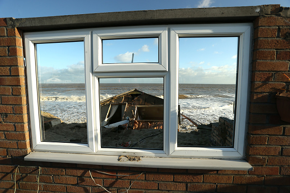 Stephen Pond「UK Hit By Severe Winds As Storm Surges Threaten Coastal Regions」:写真・画像(13)[壁紙.com]