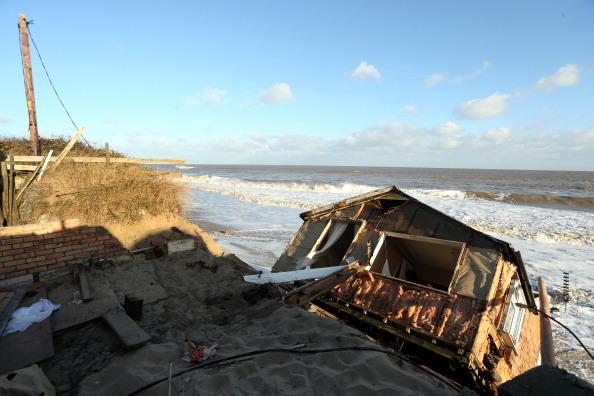 Stephen Pond「UK Hit By Severe Winds As Storm Surges Threaten Coastal Regions」:写真・画像(15)[壁紙.com]