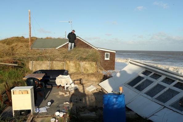 Stephen Pond「UK Hit By Severe Winds As Storm Surges Threaten Coastal Regions」:写真・画像(12)[壁紙.com]