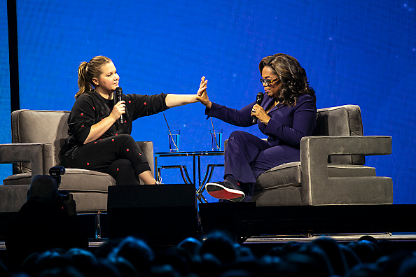 Oprah Winfrey「Oprah's 2020 Vision: Your Life In Focus Tour With Special Guest Amy Schumer」:写真・画像(6)[壁紙.com]