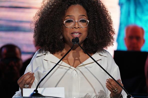 Oprah Winfrey「Statue Of Liberty Museum Opening Celebration」:写真・画像(3)[壁紙.com]