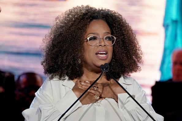 Oprah Winfrey「Statue Of Liberty Museum Opening Celebration」:写真・画像(9)[壁紙.com]