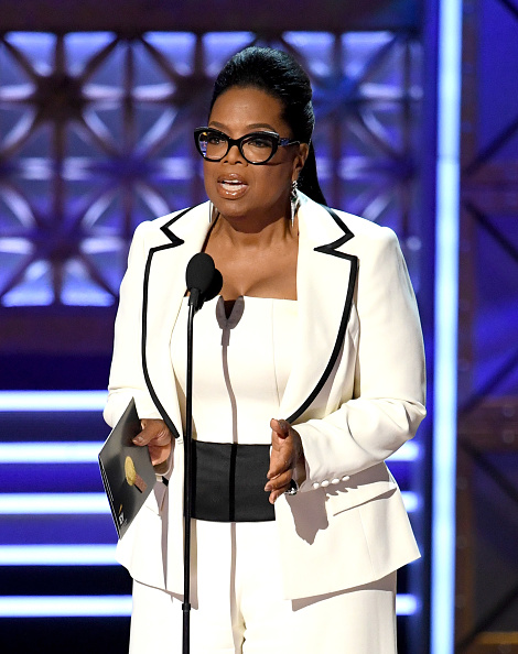Oprah Winfrey「69th Annual Primetime Emmy Awards - Show」:写真・画像(12)[壁紙.com]