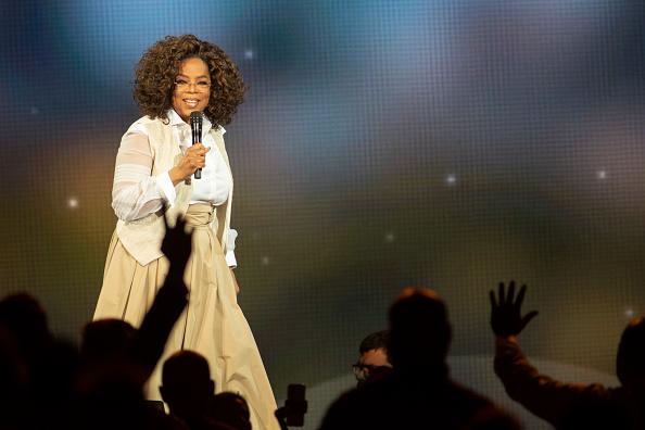 Oprah Winfrey「Oprah's 2020 Vision: Your Life In Focus Tour Opening Remarks - Denver, CO」:写真・画像(17)[壁紙.com]
