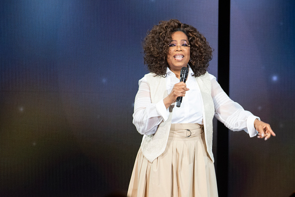 Oprah Winfrey「Oprah's 2020 Vision: Your Life In Focus Tour Opening Remarks - Denver, CO」:写真・画像(18)[壁紙.com]