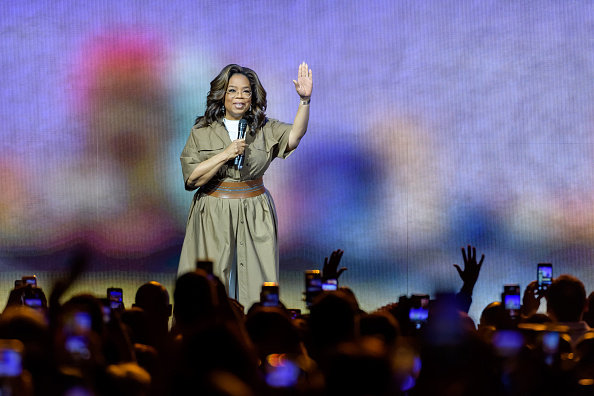 Oprah Winfrey「Oprah's 2020 Vision: Your Life in Focus Tour Kick Off In Sunrise, FL」:写真・画像(6)[壁紙.com]
