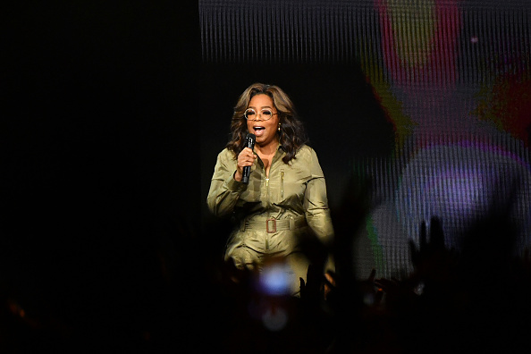 Oprah Winfrey「Oprah's 2020 Vision: Your Life In Focus Tour Opening Remarks - Atlanta, GA」:写真・画像(8)[壁紙.com]