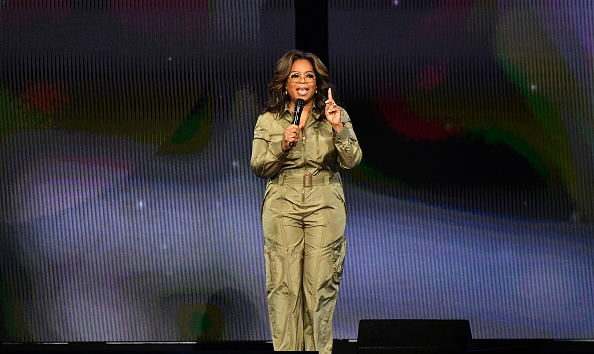Oprah Winfrey「Oprah's 2020 Vision: Your Life In Focus Tour Opening Remarks - Atlanta, GA」:写真・画像(15)[壁紙.com]