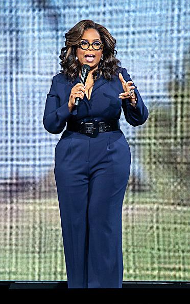 Oprah Winfrey「Oprah's 2020 Vision: Your Life In Focus Tour Opening Remarks - Charlotte, NC」:写真・画像(13)[壁紙.com]