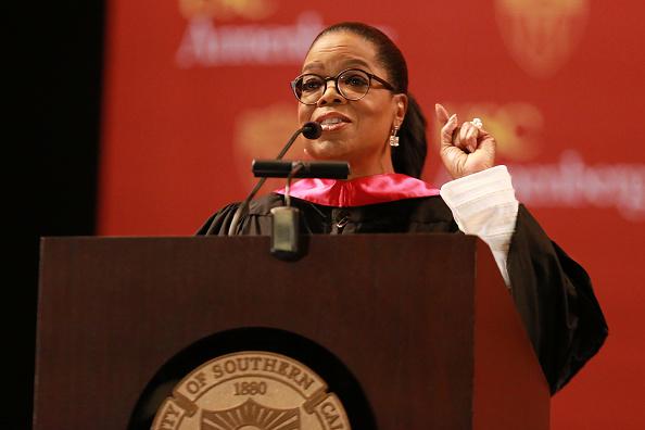 Oprah Winfrey「The USC Annenberg School For Communication And Journalism Celebrates Commencement With Keynote Address From Oprah Winfrey」:写真・画像(14)[壁紙.com]