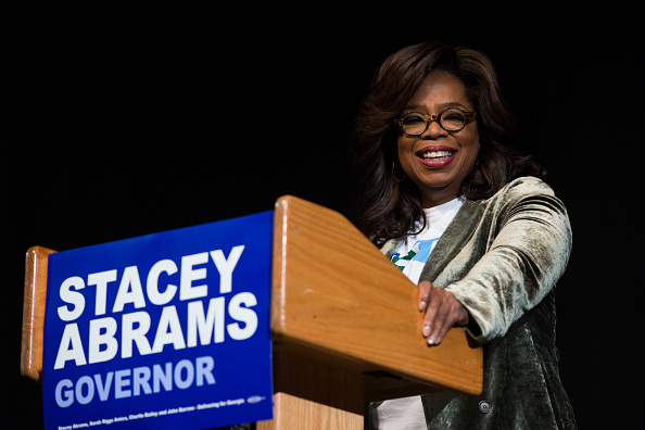 Support「Oprah Winfrey Campaigns With Democratic Gubernatorial Candidate Stacey Abrams」:写真・画像(13)[壁紙.com]