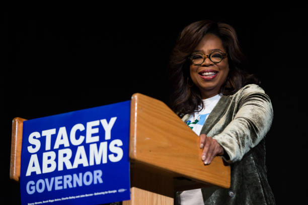 Oprah Winfrey Campaigns With Democratic Gubernatorial Candidate Stacey Abrams:ニュース(壁紙.com)