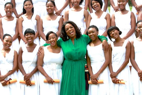 Oprah Winfrey「Oprah Winfrey Leadership Academy for Girls - Class of 2011 Inaugural Graduation」:写真・画像(12)[壁紙.com]