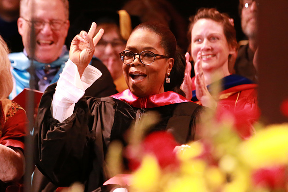 Oprah Winfrey「The USC Annenberg School For Communication And Journalism Celebrates Commencement With Keynote Address From Oprah Winfrey」:写真・画像(9)[壁紙.com]