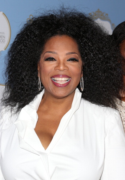 Oprah Winfrey「6th Annual ESSENCE Black Women In Hollywood Awards Luncheon - Arrivals」:写真・画像(16)[壁紙.com]