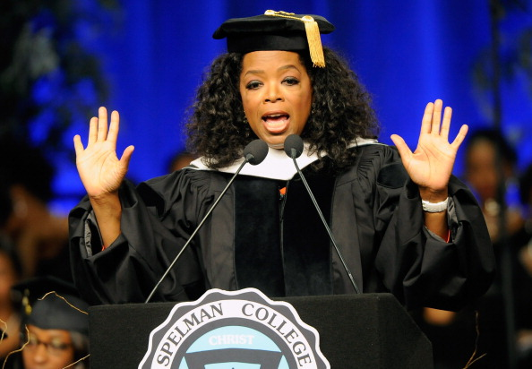 Oprah Winfrey「2012 Spelman College Commencement」:写真・画像(2)[壁紙.com]