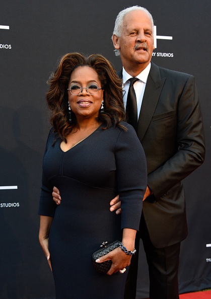 Oprah Winfrey「Tyler Perry Studios Grand Opening Gala - Arrivals」:写真・画像(19)[壁紙.com]