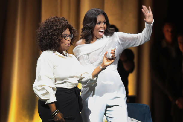 Former First Lady Michelle Obama Launches Arena Book Tour In Chicago At The United Center:ニュース(壁紙.com)