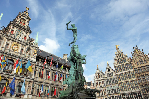 Belgium「Brabo Statue and City Hall of Antwerp Belgium」:スマホ壁紙(18)
