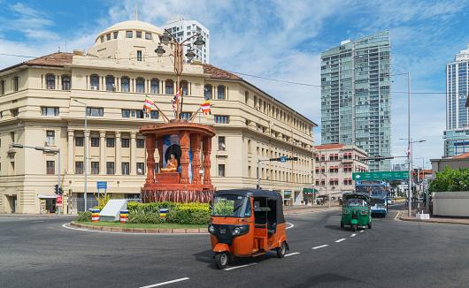 Sri Lanka「Sri Lanka. Colombo. Traffic downtown Colombo.」:スマホ壁紙(17)