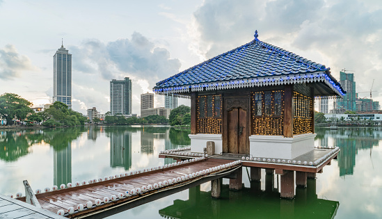 Sri Lanka「Sri Lanka. Colombo. Pagoda in a Buddhist Temple」:スマホ壁紙(0)