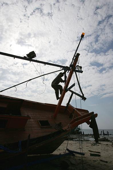 Lighting Technique「Tsunami Relief Effort Continues In Thailand」:写真・画像(18)[壁紙.com]