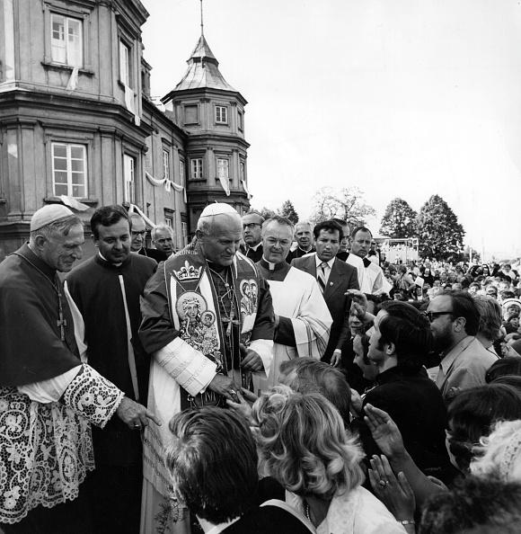 Pilgrimage「Papal Visit」:写真・画像(12)[壁紙.com]