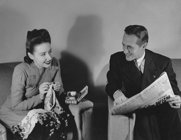 1940-1949「A Couple At Home」:写真・画像(8)[壁紙.com]