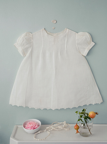Evening Gown「Baby dress over flowers on counter」:スマホ壁紙(17)