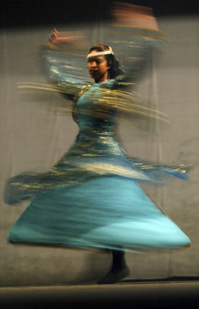Iraqi National Dance Troupe Prepares for Performace:ニュース(壁紙.com)
