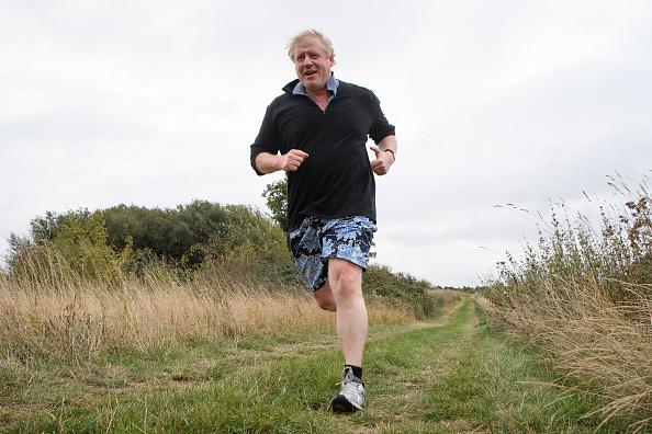 Boris Johnson「Boris Johnson Leaves Home To Speak At A Conservative Party Conference Fringe Meeting」:写真・画像(9)[壁紙.com]
