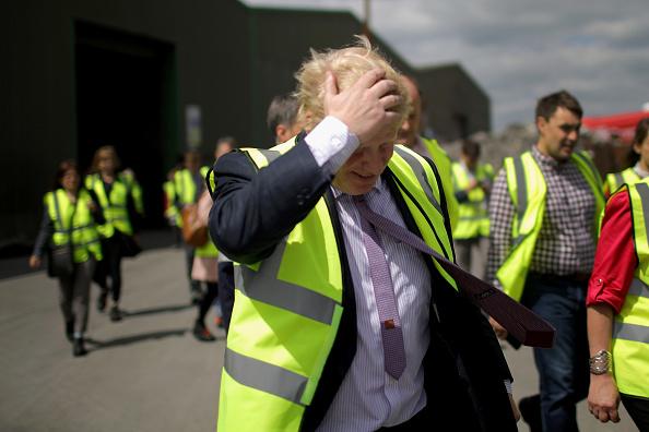 Bus「Boris Johnson And Gisela Stuart Aboard The Leave Campaign Bus」:写真・画像(12)[壁紙.com]