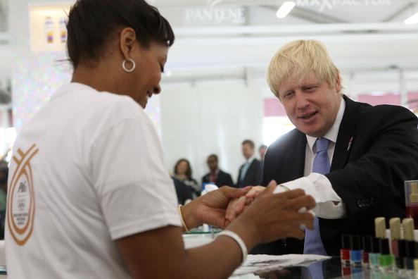 2012 Summer Olympics - London「P&G Opens Salon in the Olympic Village」:写真・画像(10)[壁紙.com]