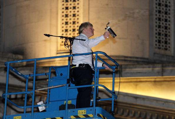 Blow Torch「Boris Johnson Attends The Lighting Of The Menorah At The Chanukah Ceremony」:写真・画像(12)[壁紙.com]
