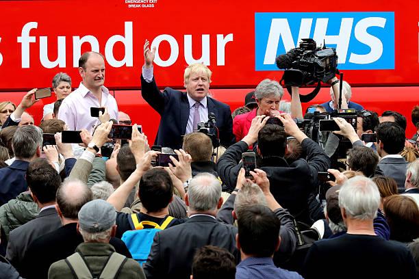 Boris Johnson And Gisela Stuart Aboard The Leave Campaign Bus:ニュース(壁紙.com)