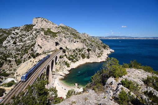 Mediterranean Sea「Coastal Railway along Mediterranean Coast between Marseille & Martigues」:スマホ壁紙(13)