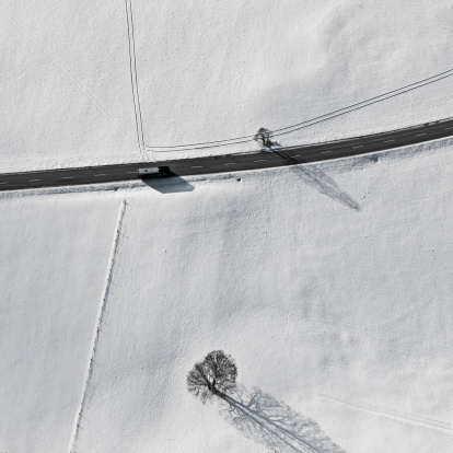 newoutdoors「Bus on street, aerial view」:スマホ壁紙(4)