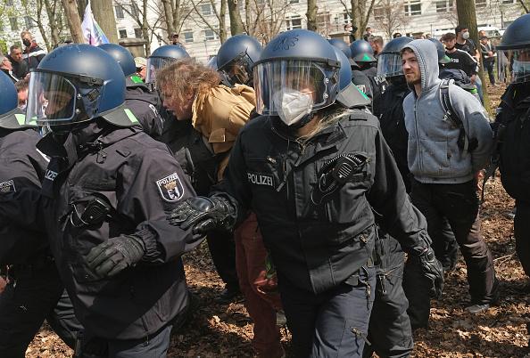 Human Role「Protesters Rally Against New Lockdown Legislation」:写真・画像(3)[壁紙.com]