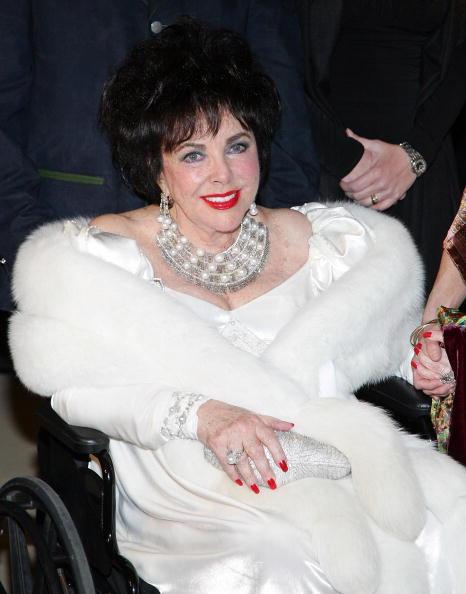 上半身「Dame Elizabeth Taylor Diamond Jubilee Birthday」:写真・画像(7)[壁紙.com]