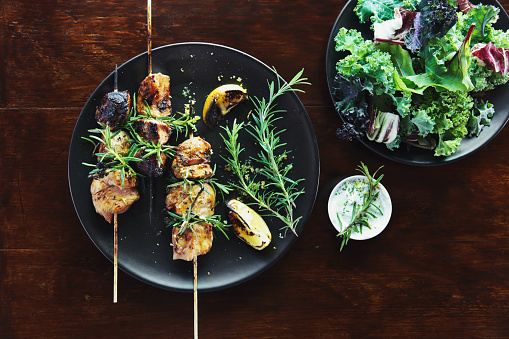 Char-Grilled「Grilled rosemary pork skewers with vegetables」:スマホ壁紙(17)