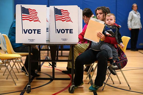 アメリカ合衆国「Republican Gubernatorial Candidate In Virginia Ed Gillespie Casts His Vote」:写真・画像(18)[壁紙.com]