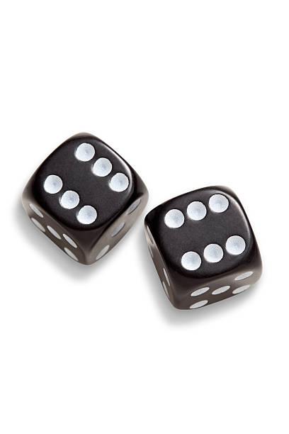 two black dices:スマホ壁紙(壁紙.com)