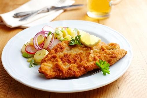 Onion「Dish of escalope and fried potatoes」:スマホ壁紙(1)